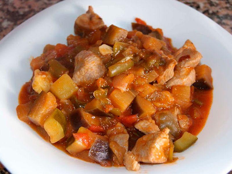 Pisto de verduras con carne
