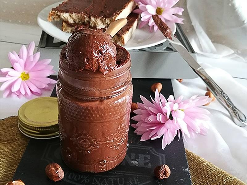 Crema de cacao y avellanas saludable