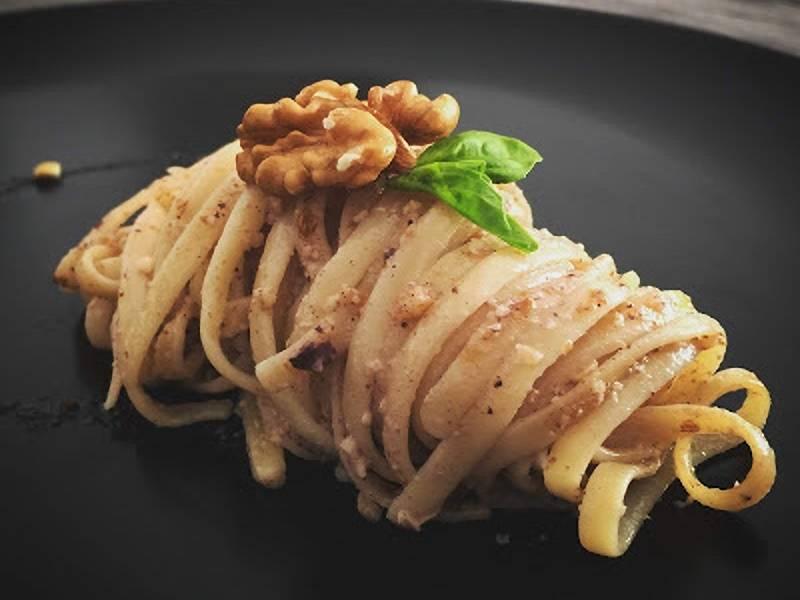 Espaguetis con salsa de nueces