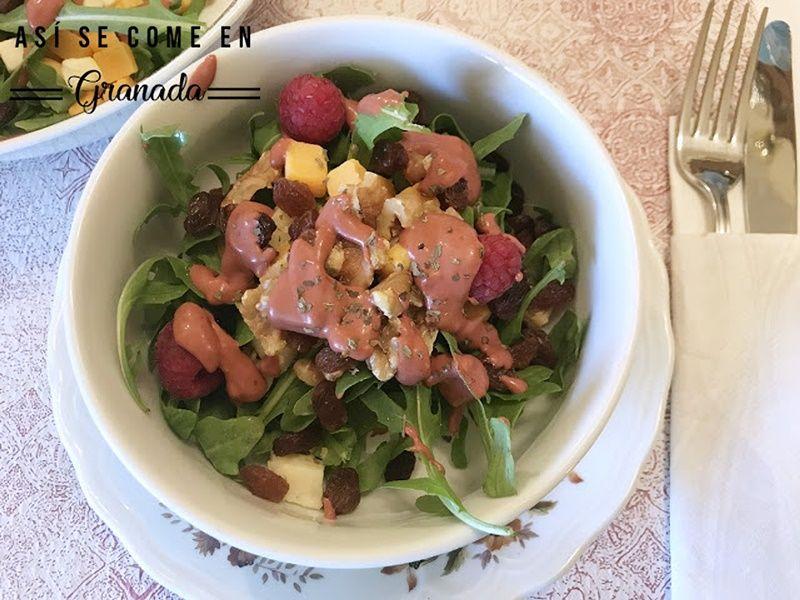 Ensalada vinagreta frambuesas